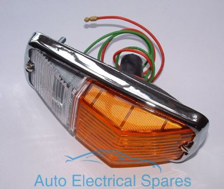 Lucas L677 indicator & sidelight lamp unit BHA4966